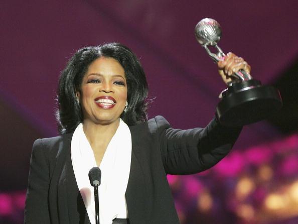 Oprah Winfrey「36th Annual NAACP Image Awards - Show」:写真・画像(11)[壁紙.com]