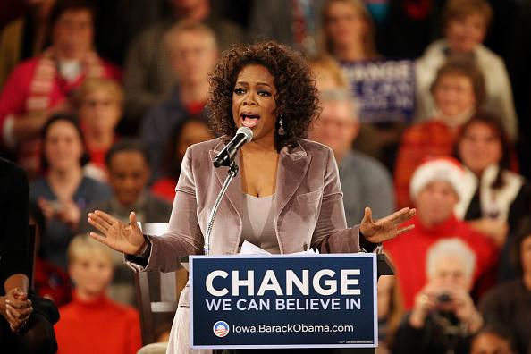 Oprah Winfrey「Oprah Winfrey Joins Obama On Campaign Trail」:写真・画像(0)[壁紙.com]