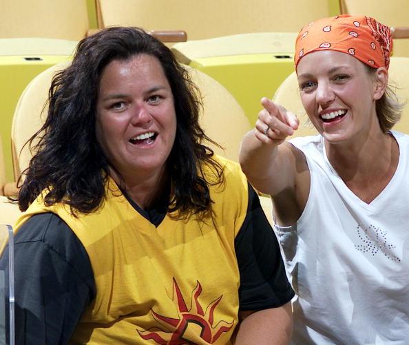 Eliot J「Rosie O'Donnell And Kelli Carpenter At WNBA Basketball Game」:写真・画像(4)[壁紙.com]