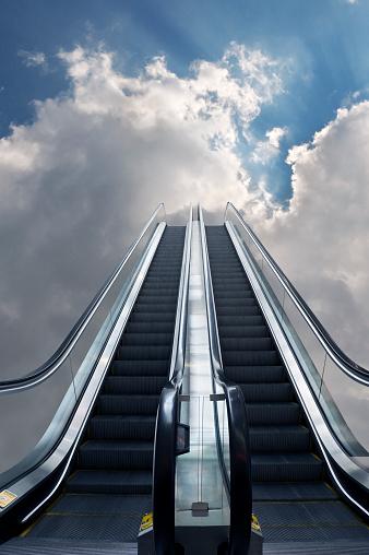 Moving Up「Escalator to Heaven」:スマホ壁紙(11)
