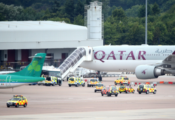 Risk「Military Jet Escorts Qatar Airways Plane Into Manchester Airport」:写真・画像(15)[壁紙.com]
