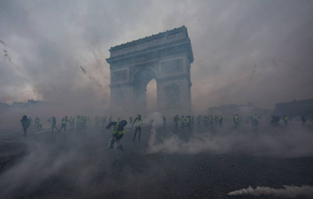 France's 'Yellow Vest' Protesters Return to Champs-Elysees:ニュース(壁紙.com)