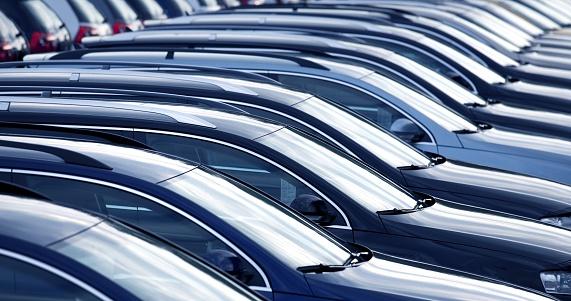 Parking Lot「New cars in a row at dealership」:スマホ壁紙(5)