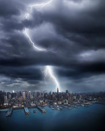 Thunderstorm「Lightning striking Empire State building」:スマホ壁紙(3)