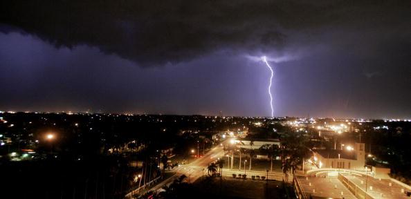 Thunderstorm「Thunder Storm Approaches Ft. Myers Florida」:写真・画像(12)[壁紙.com]