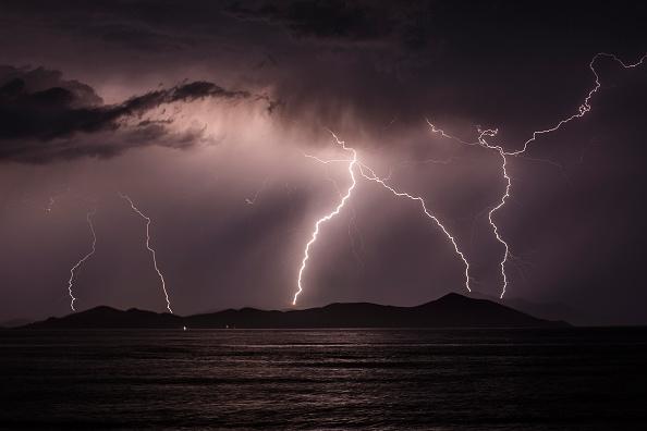 Thunderstorm「Migrants Continue To Arrive On Greek Island Of Kos」:写真・画像(8)[壁紙.com]