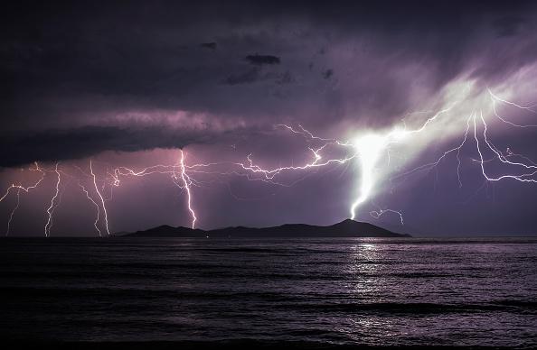 Thunderstorm「Migrants Continue To Arrive On Greek Island Of Kos」:写真・画像(17)[壁紙.com]