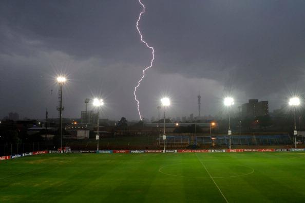 Thunderstorm「Bidvest Wits v AmaZulu - Absa Premiership」:写真・画像(16)[壁紙.com]