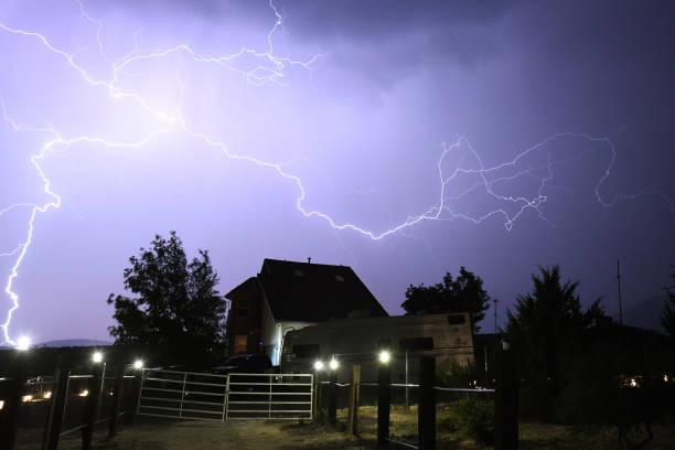 Monsoon Thunderstorms Roll Through Nevada:ニュース(壁紙.com)