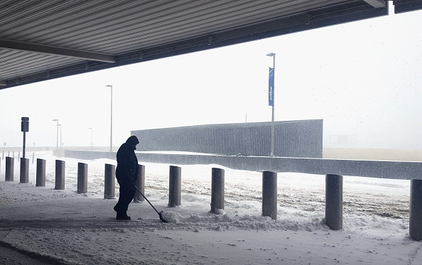Kennedy Airport「Massive Winter Storm Brings Snow And Heavy Winds Across Large Swath Of Eastern Seaboard」:写真・画像(6)[壁紙.com]