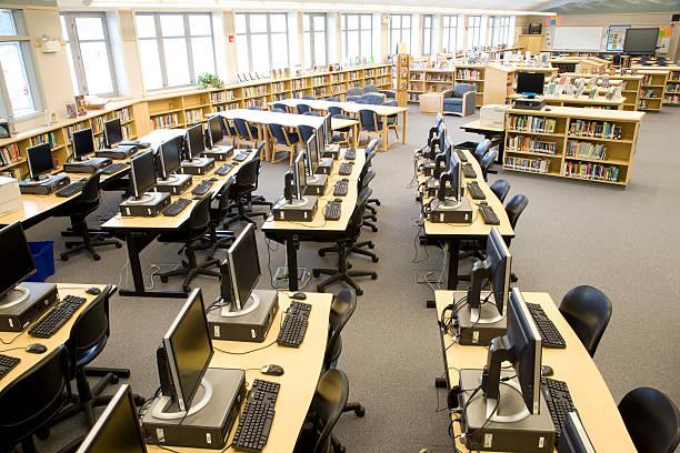 Computers in high school library:スマホ壁紙(壁紙.com)
