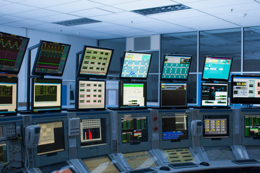 Surveillance「Computers in control room」:スマホ壁紙(7)