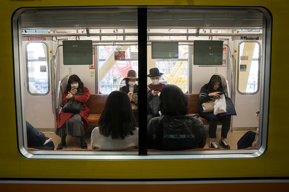 Subway「Concern In Japan As Wuhan Coronavirus Spreads」:写真・画像(13)[壁紙.com]