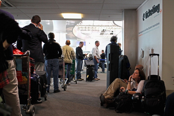 Waiting In Line「Flights To NZ Remain Grounded Due To Volcanic Ash Cloud」:写真・画像(11)[壁紙.com]