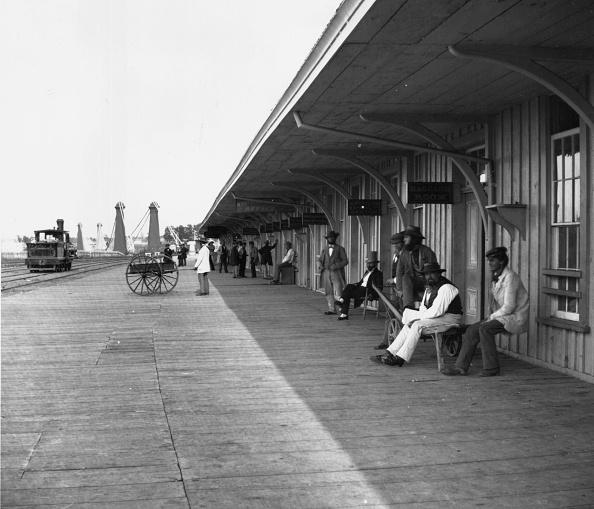 Waiting「Clifton Depot」:写真・画像(1)[壁紙.com]