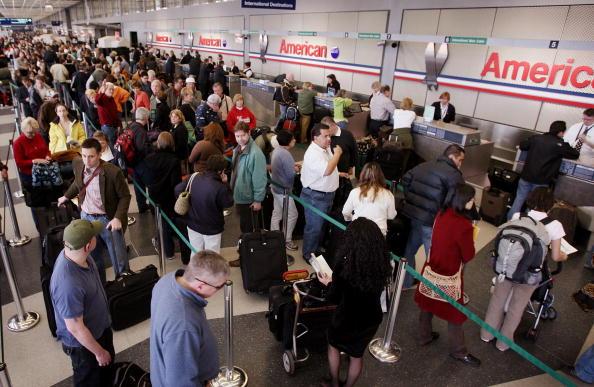 Waiting「American Airlines Cancels 850 Flights」:写真・画像(10)[壁紙.com]