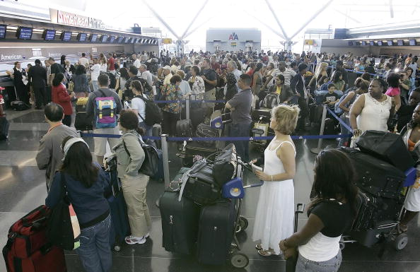 Kennedy Airport「U.S. Raises Air Security Alert To Red For The First Time」:写真・画像(10)[壁紙.com]