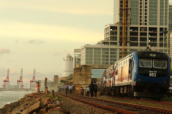 Sri Lanka「Colombo Struggles With Heavy Traffic Amid Plans For First Urban Railway」:写真・画像(12)[壁紙.com]