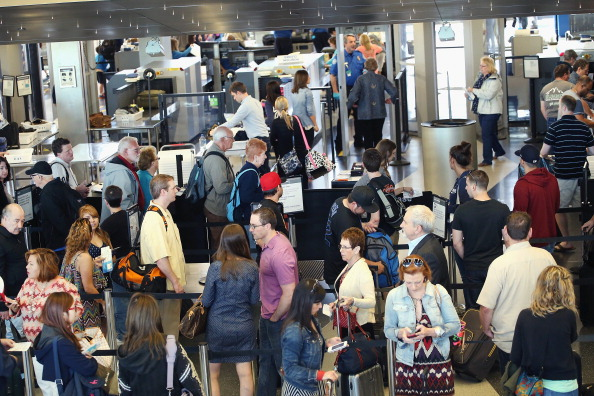 Security「U.S. Skies and Roads Busy Ahead Of Memorial Day Weekend」:写真・画像(13)[壁紙.com]