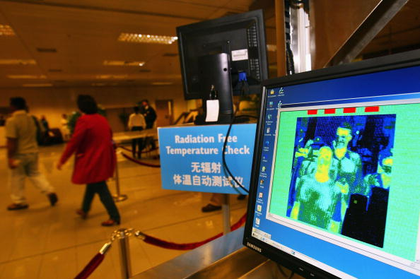 Passenger「Thermal Screening Is Used To Check Passengers For SARS In Singapore」:写真・画像(19)[壁紙.com]