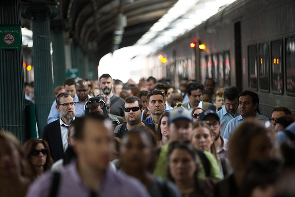 "Train - Vehicle「NYC Commuters Begin ""Summer Of Hell"" As Penn Station Begins Major Track Repairs」:写真・画像(14)[壁紙.com]"