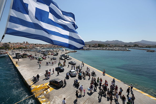 Passenger Craft「Debt Wracked Greece Prepares For Critical General Election」:写真・画像(6)[壁紙.com]