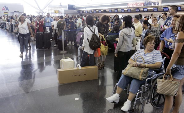 Kennedy Airport「U.S. Raises Air Security Alert To Red For The First Time」:写真・画像(13)[壁紙.com]