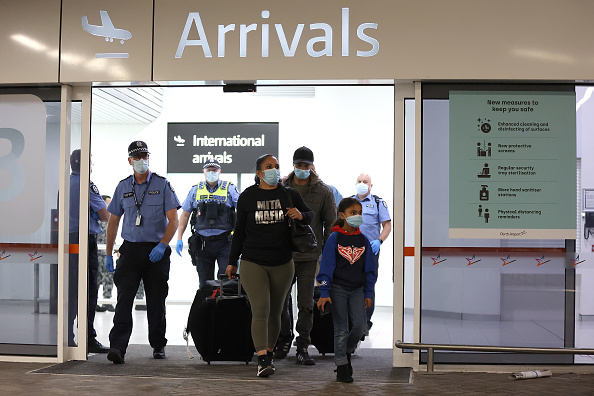 Arrival「Extra Screening For Passengers Arriving At Perth Airport」:写真・画像(10)[壁紙.com]