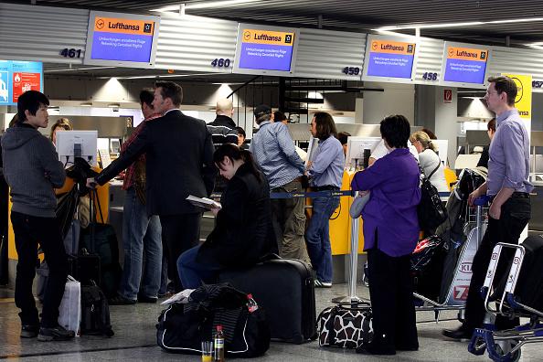 Passenger「Volcanic Cloud Causes Disruption To German Airports」:写真・画像(18)[壁紙.com]
