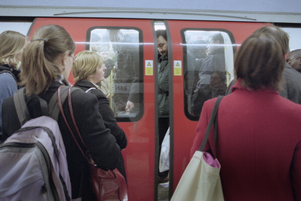 Busy「Crowded Tube Train」:写真・画像(17)[壁紙.com]