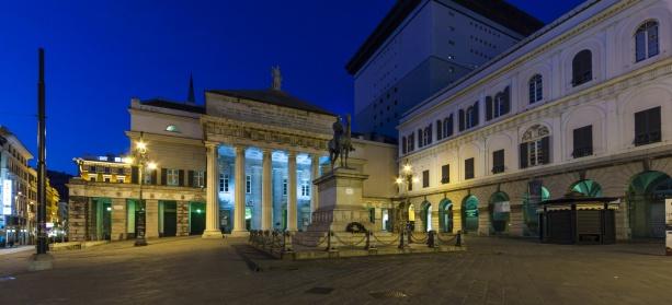 Ferrari「Italy, Genoa, Piazza de Ferrari, Giuseppe Garibaldi monument at night」:スマホ壁紙(0)