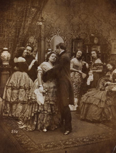Victorian Style「Kiss Under Mistletoe」:写真・画像(5)[壁紙.com]