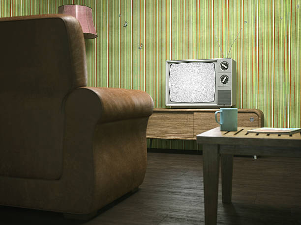 Vintage Television in Retro Living Room:スマホ壁紙(壁紙.com)