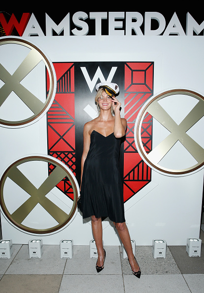 エリン・ヘザートン「All Aboard! W Hotels Toasts The Upcoming Opening Of W Amsterdam With 'Captains' Taylor Schilling, Erin Heatherton, Chanel Iman, Coco Rocha And More On The Grand Banks」:写真・画像(14)[壁紙.com]
