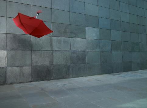 Umbrella「Open umbrella blowing along street」:スマホ壁紙(8)