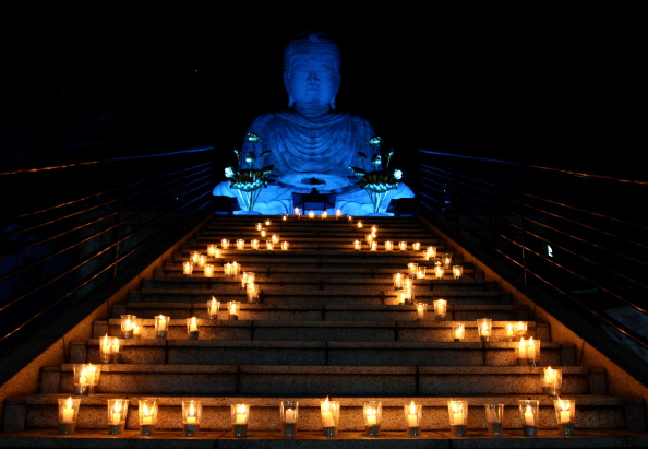 Giant Buddha「Autism Speaks 3rd Annual Light It Up Blue Campaign」:写真・画像(8)[壁紙.com]
