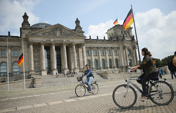 Politics「German Leaders React To Greek Aid Agreement」:写真・画像(6)[壁紙.com]