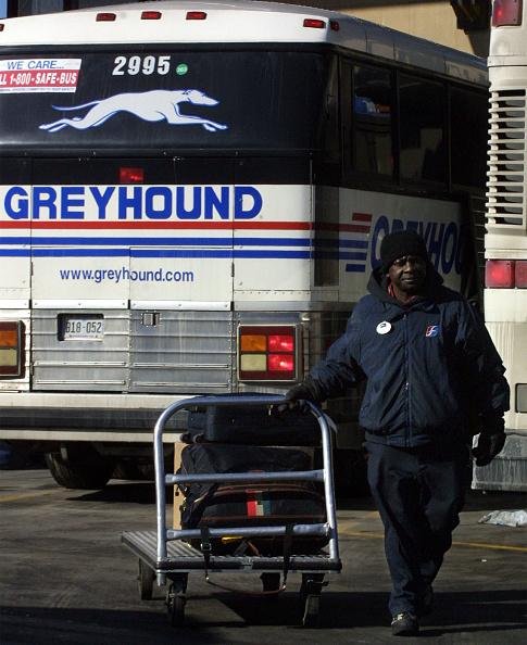 Wooden Post「Greyhound Bus Financial Burden」:写真・画像(19)[壁紙.com]