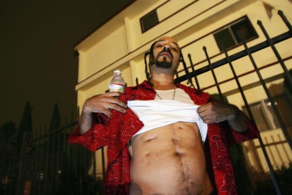 Gang「Blood Gang Members Talk About Tookie Williams Case」:写真・画像(19)[壁紙.com]