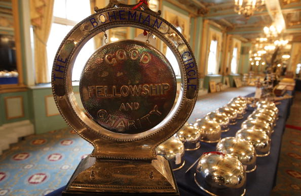 Ready-To-Eat「Cafe Royal Contents To Be Auctioned After Its Closure」:写真・画像(8)[壁紙.com]