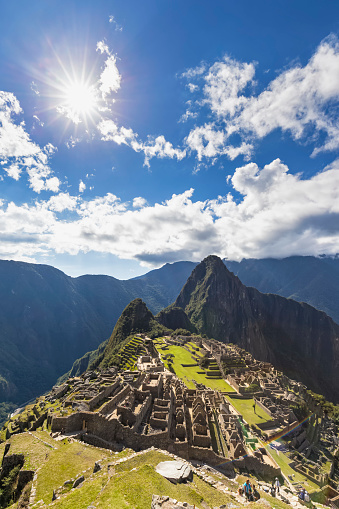 Mt Huayna Picchu「Peru, Andes, Urubamba Valley, Machu Picchu with mountain Huayna Picchu」:スマホ壁紙(8)