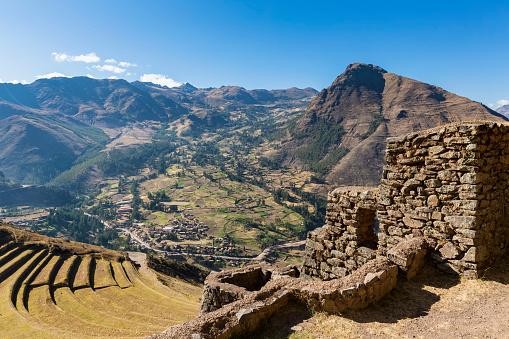 Built Structure「Peru, Andes, Valle Sagrado, Inca ruins of Pisac, terraces of Andenes, Citadel Q'allaqasa」:スマホ壁紙(14)