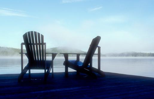 Adirondack Mountains「Two Adirondack chairs on dock, dawn」:スマホ壁紙(15)