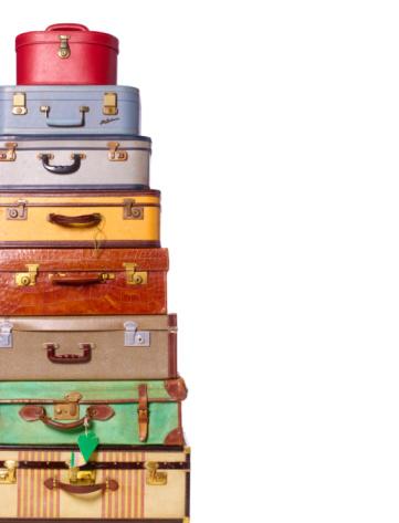 Choice「vintage luggage against white background」:スマホ壁紙(16)