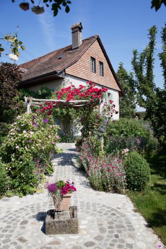 Vaud Canton「Swiss Farmhouse with Floral Walk」:スマホ壁紙(16)