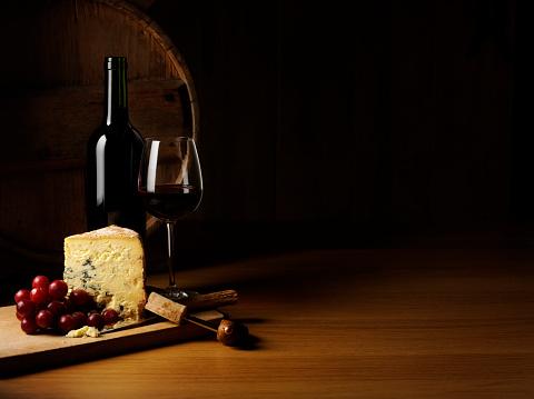 Wine Bottle「Luxury Cheese and Wine」:スマホ壁紙(4)