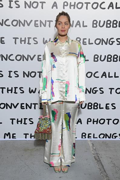 Satin Pants「Ruinart & David Shrigley - Unconventional Bubbles Exhibition : Photocall At Opera Bastille」:写真・画像(19)[壁紙.com]