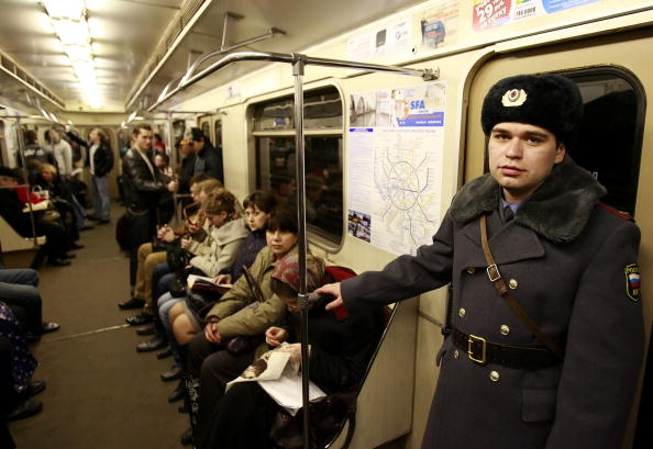 Russian Military「Russians Mourn Victims of Moscow Bombings」:写真・画像(4)[壁紙.com]