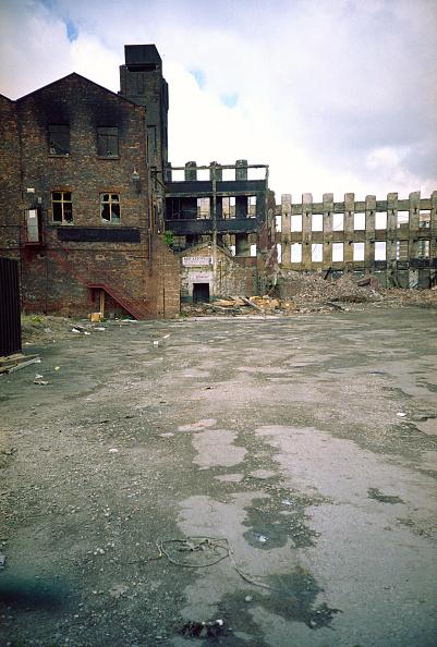 Deterioration「Derelict Victorian industrial warehouse」:写真・画像(12)[壁紙.com]