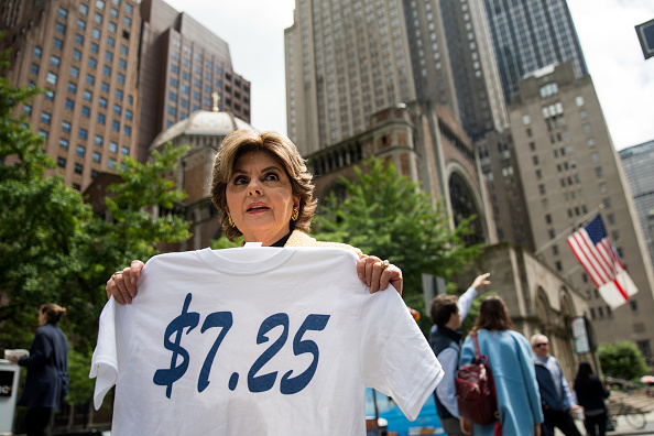 Business Finance and Industry「Attorney Gloria Allred Calls On NFL Commissioner To End Exploitation Of Cheerleaders」:写真・画像(0)[壁紙.com]